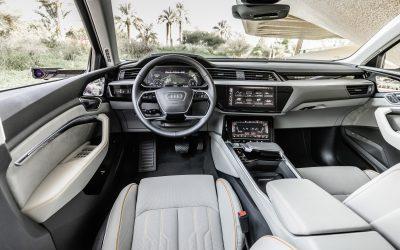 Audi 全數位虛擬後視鏡 科技創舉引領純電生活圈